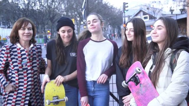 Rencontre des skateuses avec la ministre Laurence Rossignol-image